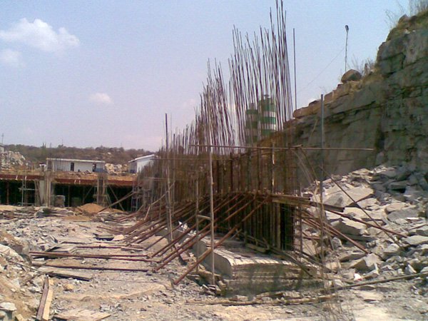 Retaining Wall Rcc : Movietowers telugu film producers mutually aided co